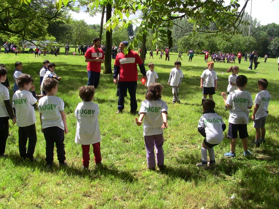 Bambini al Rugby nei parchi